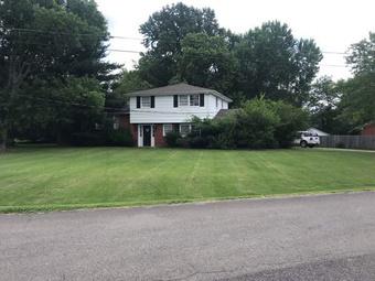 Yard mowing company in Bradyville, TN, 37026