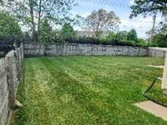Yard mowing company in Lake In The Hills, IL, 60156