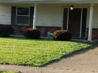Yard mowing company in Overland, MO, 63114