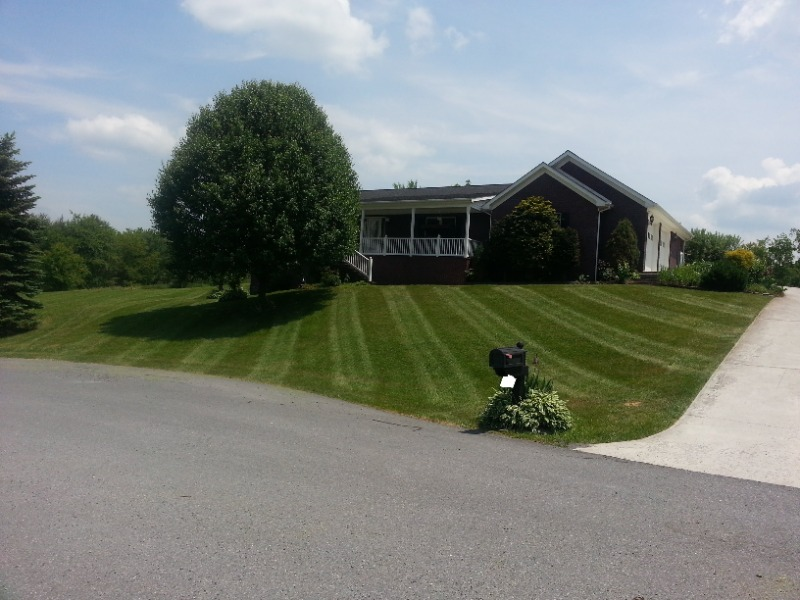 Yard mowing company in Christiansburg, VA, 24073