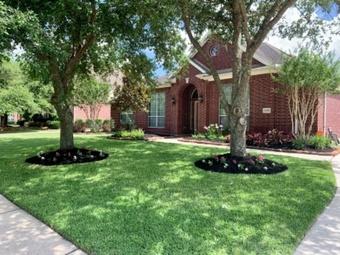 Yard mowing company in Humble, TX, 77338