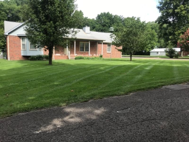 Yard mowing company in Rockvale, TN, 37153