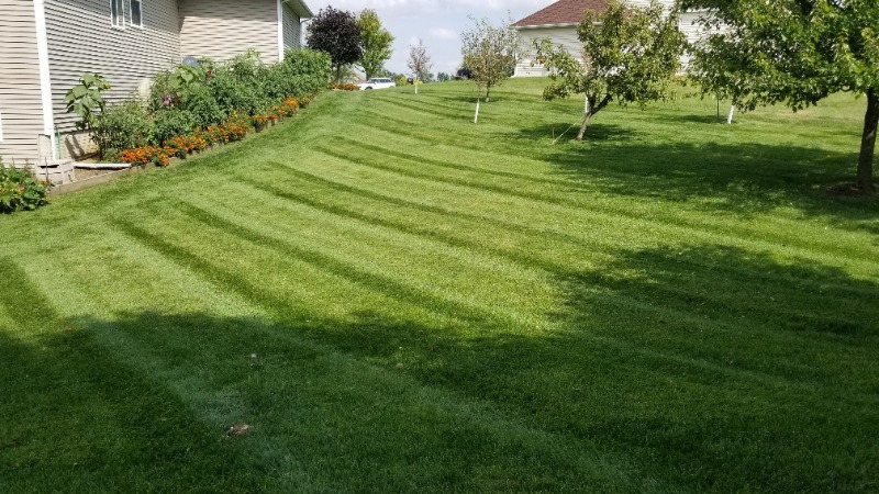 Yard mowing company in West Des Moines, IA, 50265