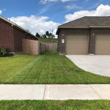 Yard mowing company in Dayton, TX, 77535