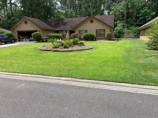 Yard mowing company in Savannah, GA, 31404