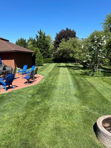 Yard mowing company in Bristol, RI, 02809