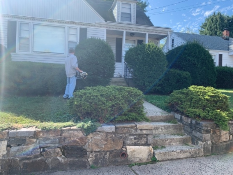 Yard mowing company in Shelton, CT, 06484