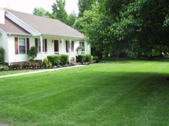 Yard mowing company in Nashville, TN, 37209