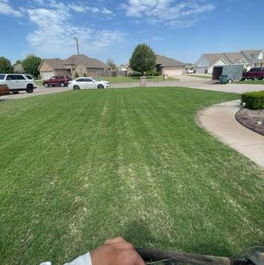 Yard mowing company in Oklahoma City, OK, 73109