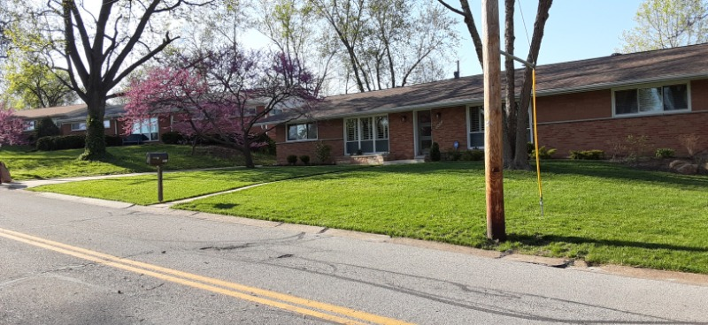 Yard mowing company in St. Louis, MO, 63114