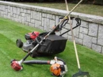 Yard mowing company in Valley Park, MO, 63088
