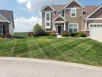 Yard mowing company in Caseyville, IL, 62232