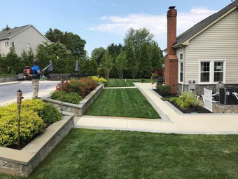 Yard mowing company in Annapolis, MD, 21403