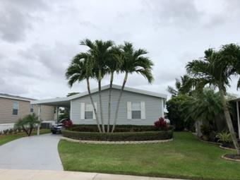 Yard mowing company in Plantation , FL, 33313