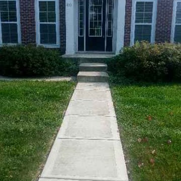 Yard mowing company in Anderson, IN, 46060