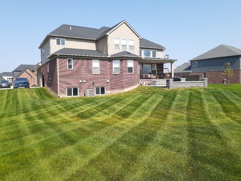 Yard mowing company in Pontiac, MI, 48210
