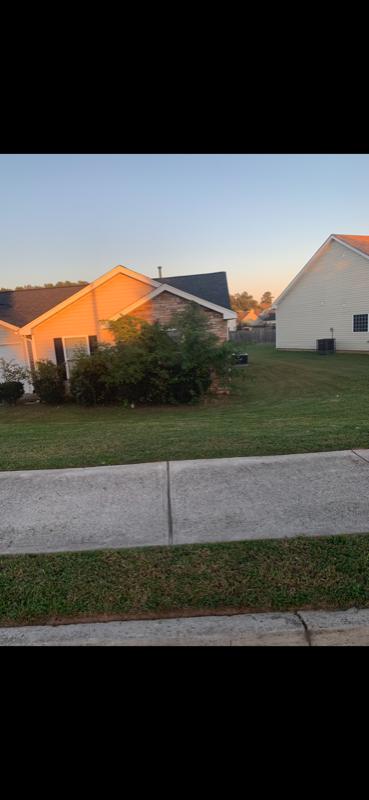 Yard mowing company in Lithonia, GA, 30058