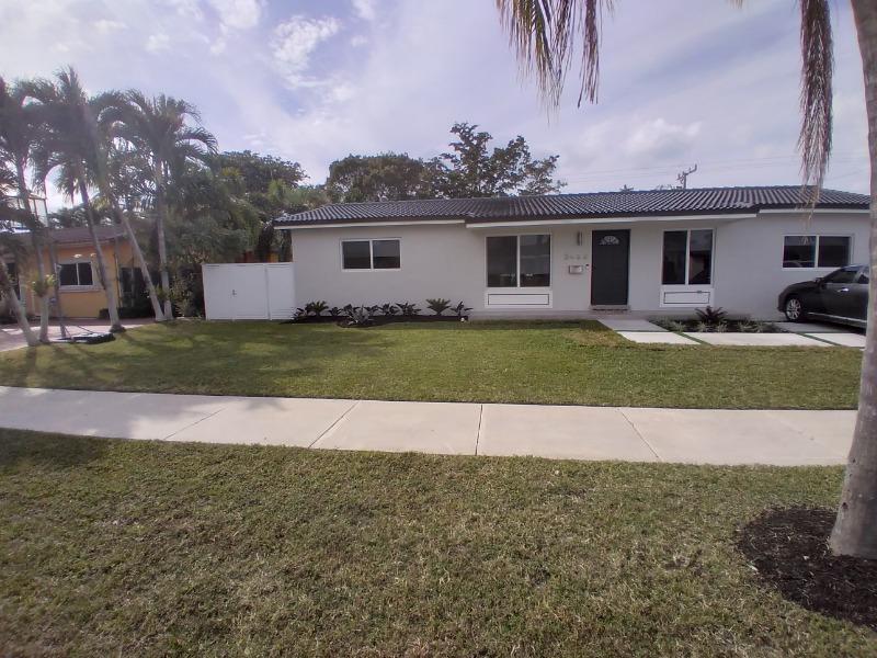 Yard mowing company in Miami, FL, 33186