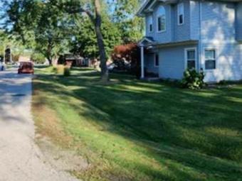 Yard mowing company in Worth, IL, 60482