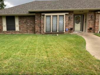 Yard mowing company in Dallas, TX, 75237