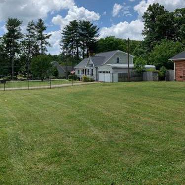 Yard mowing company in Greensboro, NC, 27405