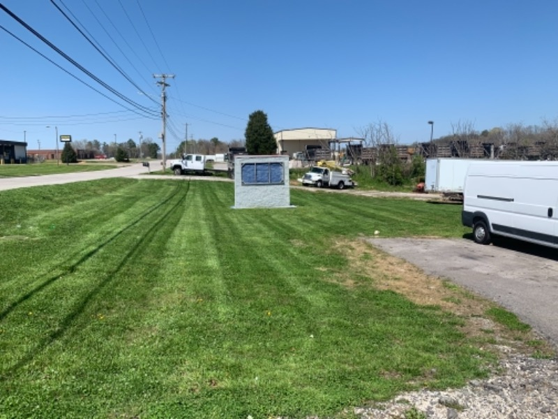 Yard mowing company in Centerville, TN, 37033