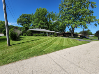 Yard mowing company in Belvidere, IL, 61008
