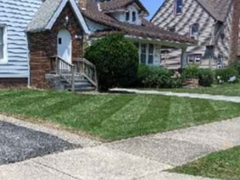 Yard mowing company in Cleveland, OH, 44125