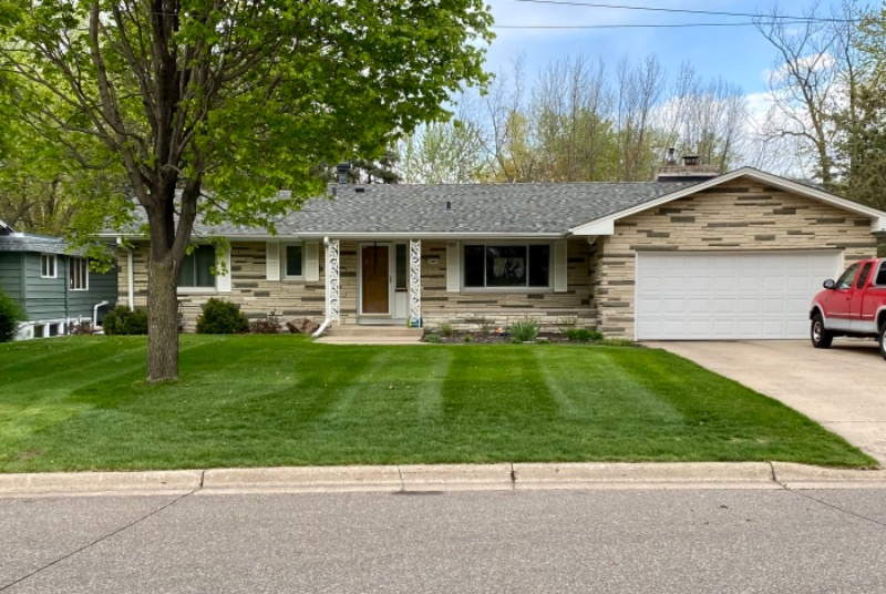 Yard mowing company in Osseo, MN, 55311