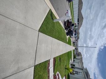 Yard mowing company in Auburndale, FL, 33823