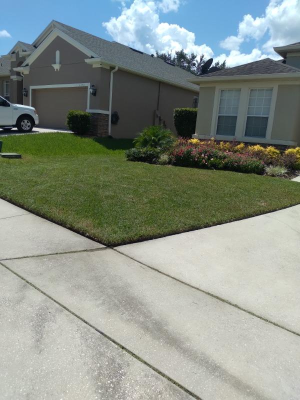 Yard mowing company in Ocoee, FL,