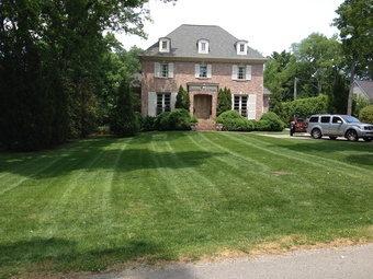 Lawn Care Service in Nashville, TN, 37221