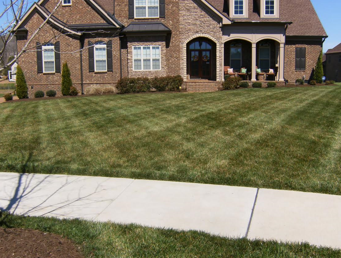 Lawn Care Service in Hendersonville, TN, 37075