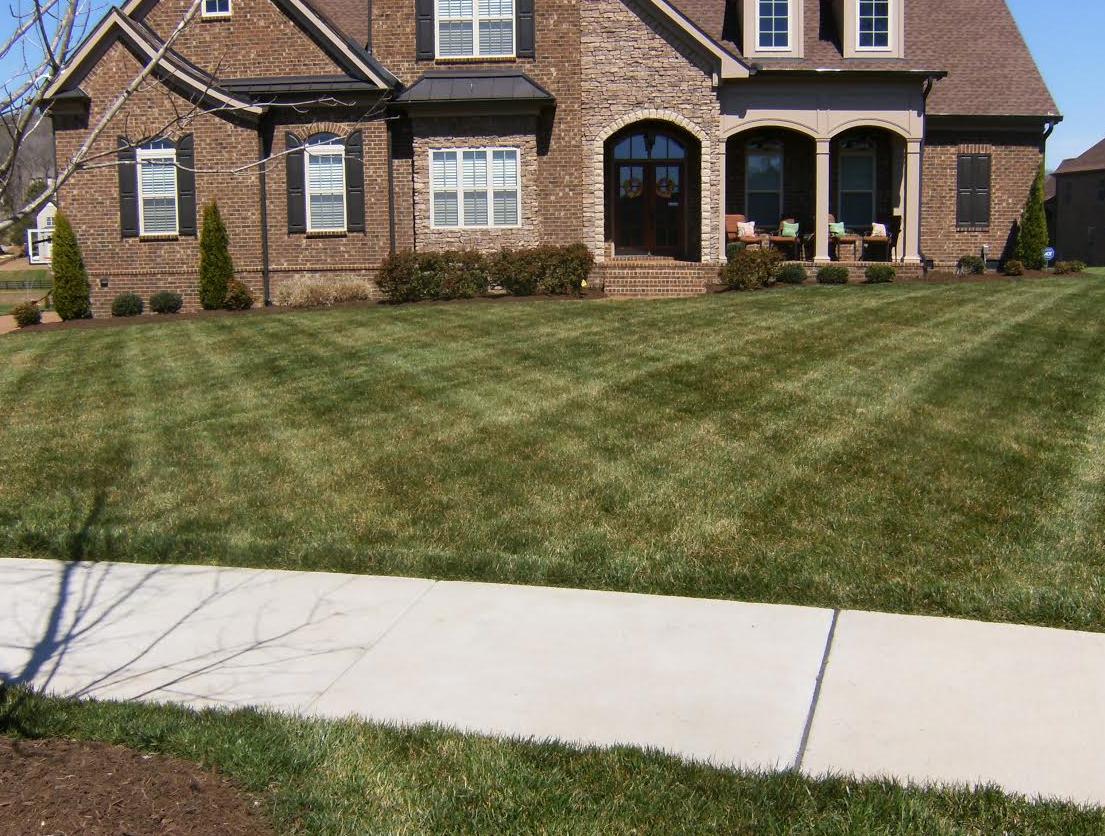 Lawn Care Service in Hendersonville, TN, 37075