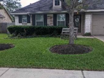 Lawn Care Service in Houston, TX, 77007