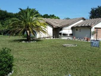 Lawn Care Service in Winter Haven, FL, 33884