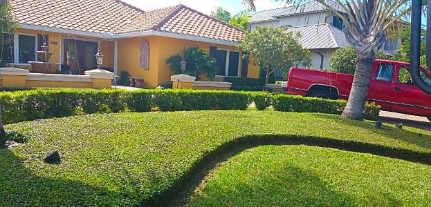 Lawn Care Service in Naples, FL, 34104
