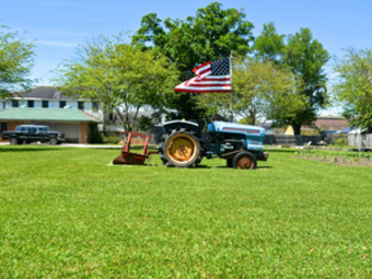 Lawn Care Service in Metairie, LA, 70005