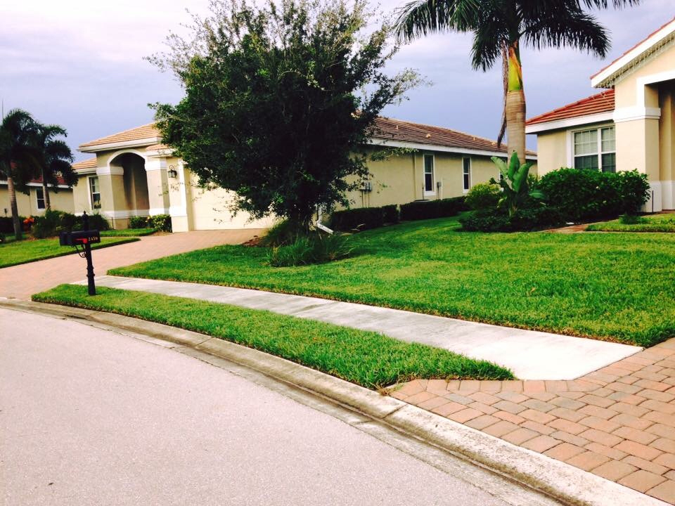 Lawn Care Service in Alva, FL, 33920