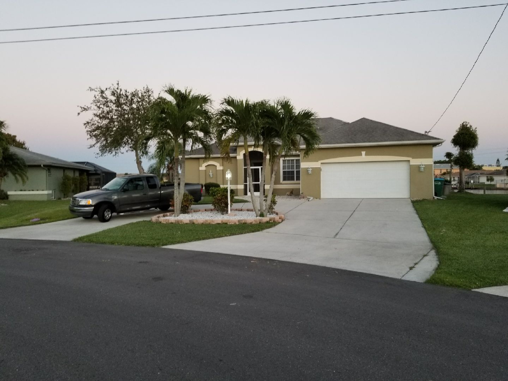 Lawn Care Service in Cape Coral, FL, 33914