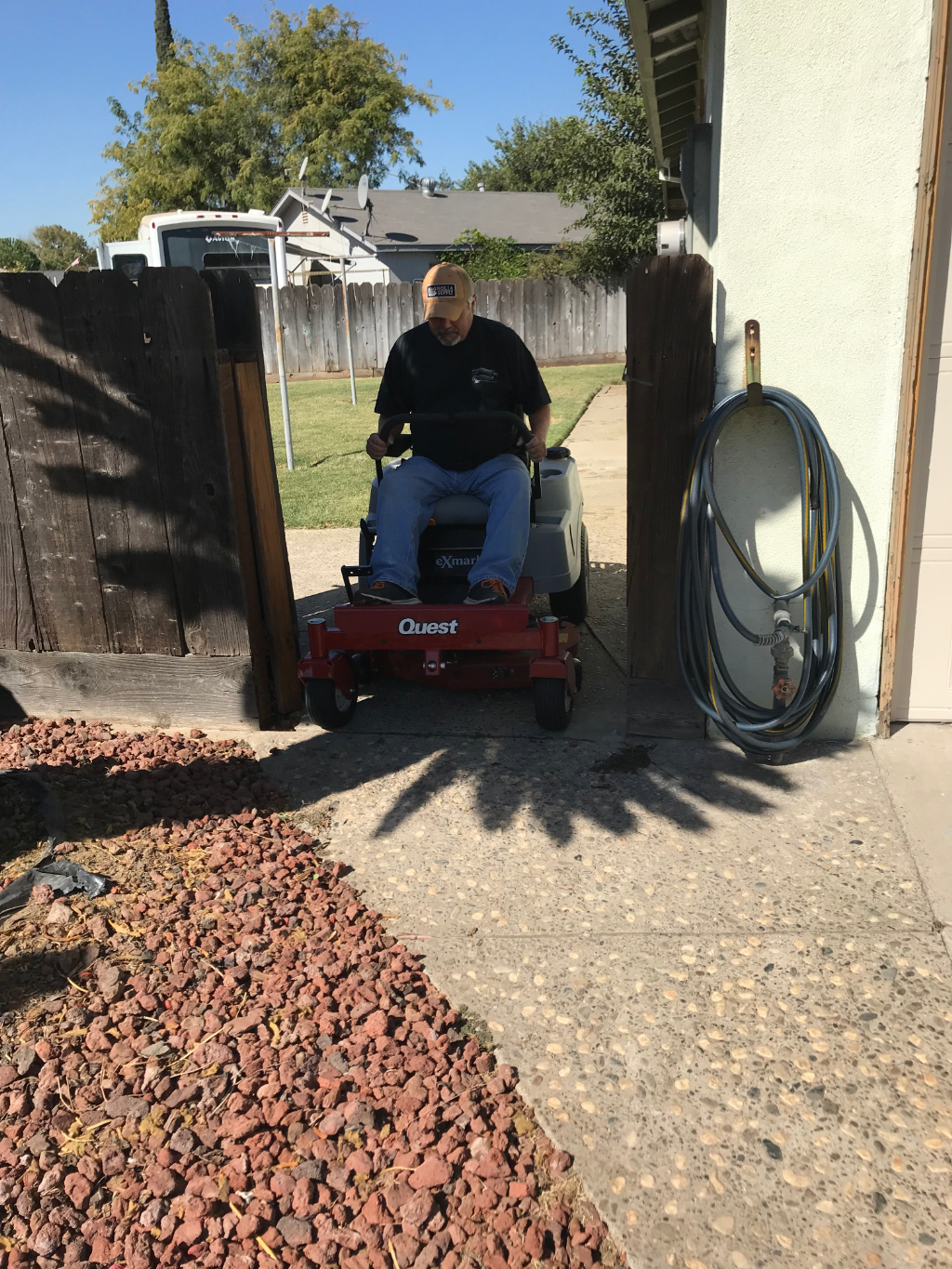Lawn Care Service in Modesto, CA, 95355