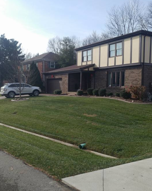 Lawn Care Service in Louisville, KY, 40299