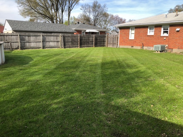 Lawn Care Service in Louisville , KY, 40228