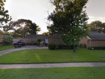 Lawn Care Service in Houston, TX, 77072