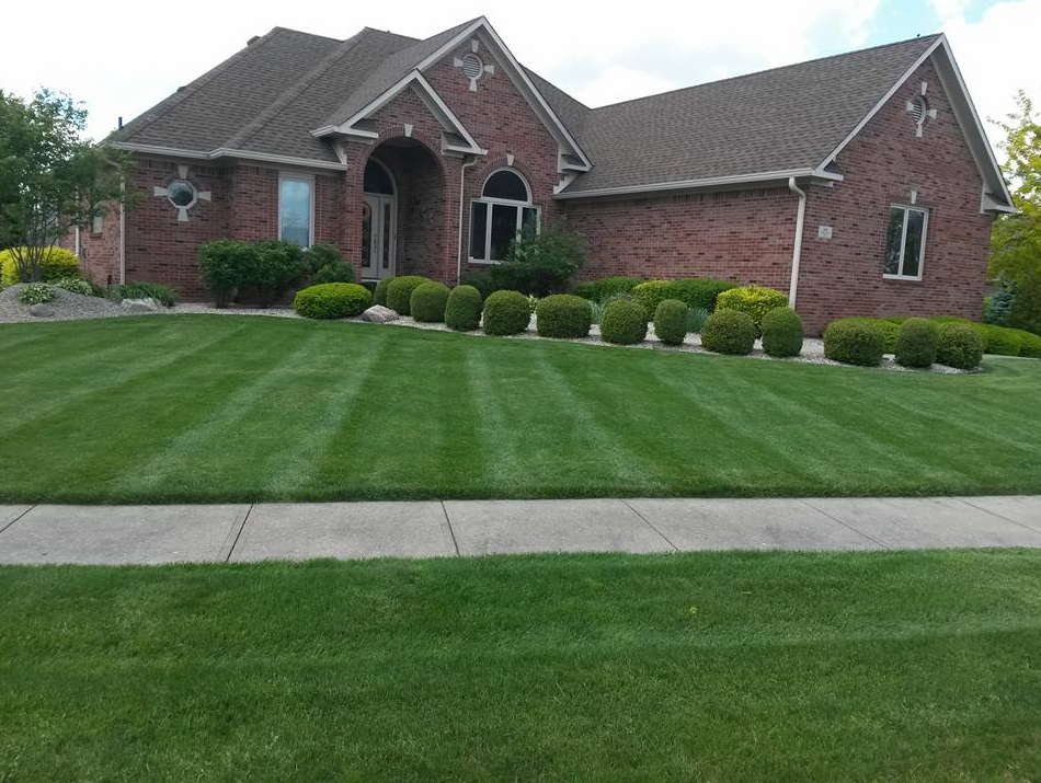 Lawn Care Service in Greenwood, IN, 46142