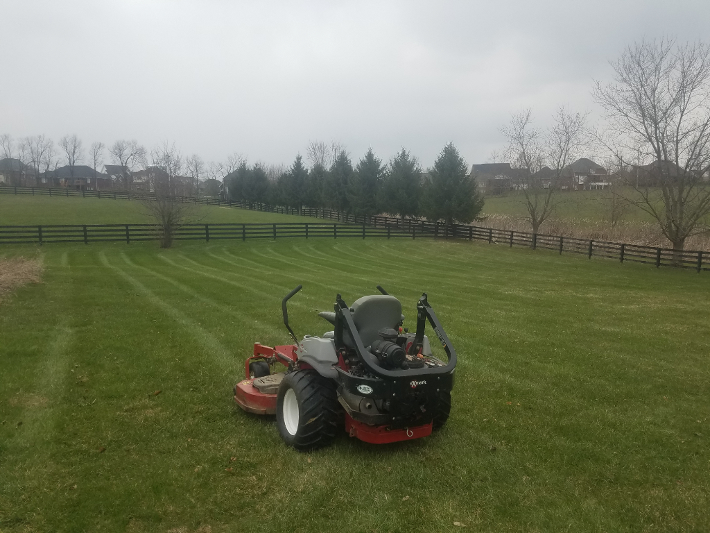 Lawn Care Service in Shelbyville , KY, 40065