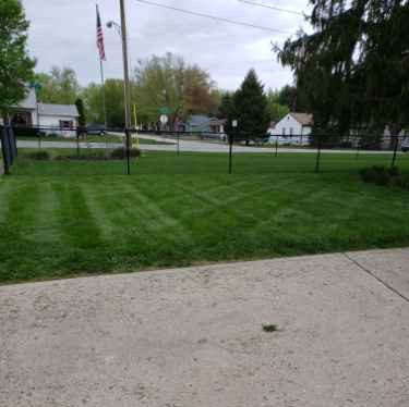Lawn Care Service in Indianapolis, IN, 46217