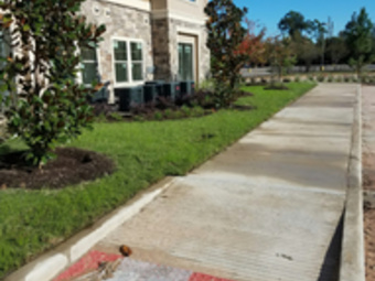 Lawn Care Service in Cleveland , TX, 77327