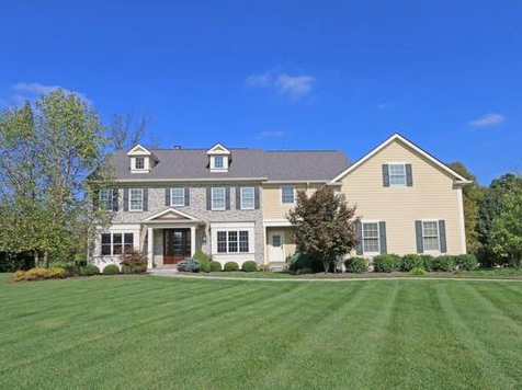 Lawn Care Service in Cleveland , OH, 44106