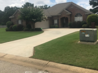 Lawn Care Service in Deatsville, AL, 36022
